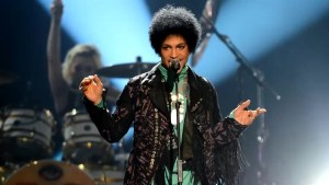 'RIP Prince': Celebrities, fans mourn singer's death on social media