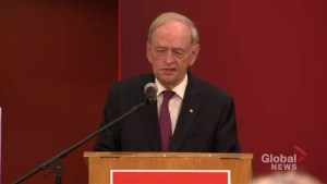 Jean Chrétien proud of Trudeau for 'welcoming people from Syria'