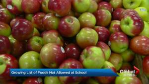 Apples join list of prohibited foods in some Ontario schools due to allergies
