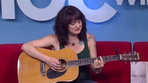 Winnipeg musician Lindsey White performs on Global News Morning ahead of her concert