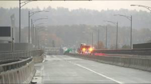 Fire closes Queensborough Bridge