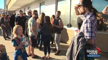 Girl guide sells out of cookies in front of Edmonton