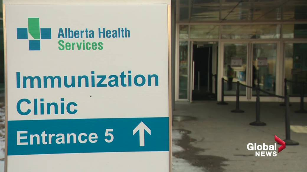 Click to play video: `` Slow start of Edmonton mass vaccination site at the Exhibition Center ''
