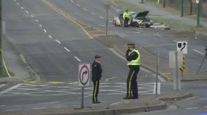 Fatal crash closes Byrne Road in Burnaby (00:36)