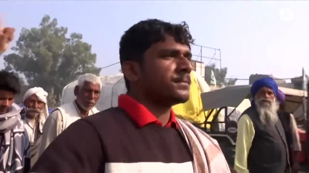 Click to play video 'Ongoing protests in India'