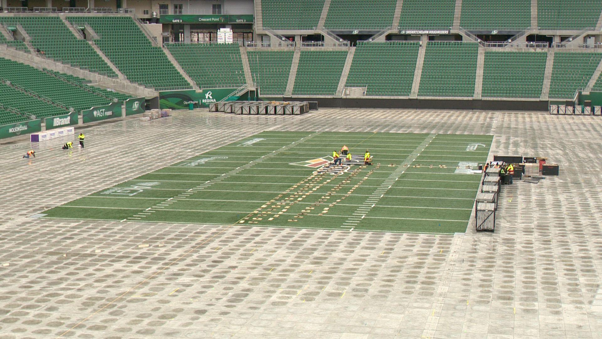 Crews begin flipping Mosaic Stadium for NHL Heritage Classic
