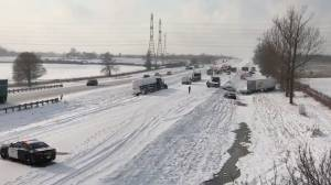 OPP advise motorists to stay off Highway 401 in GTA area after 30-vehicle pileup due to snowfall (01:12)