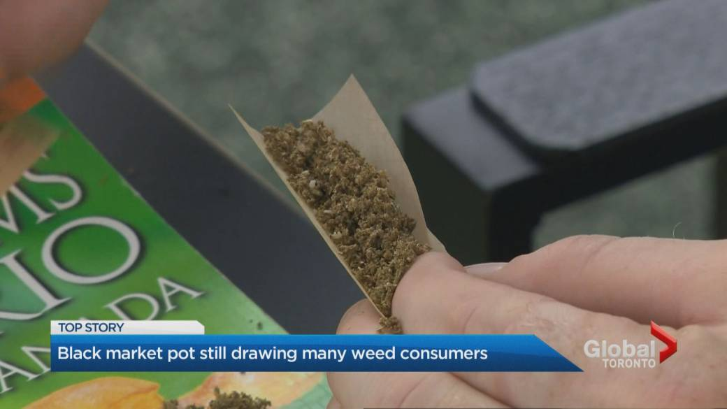Hundreds of cannabis stores in Alberta but users still turning to black market