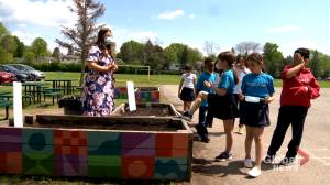 Teacher at Kingsdale Academy in Pierrefonds wins Energy Educator of the Year Award (02:05)