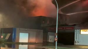Main Street fire in Winnipeg (00:27)