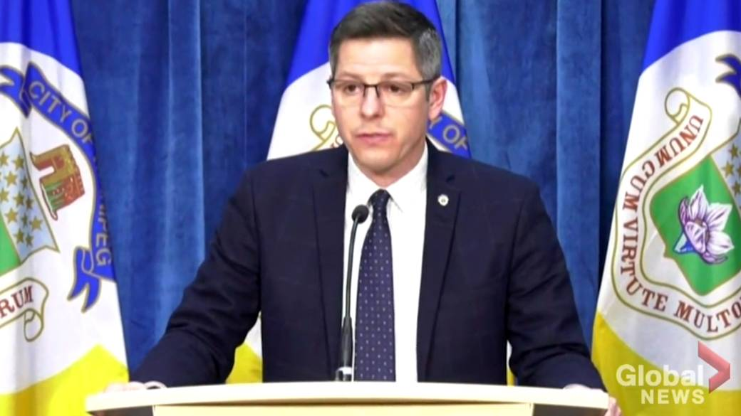 Click to play video 'Winnipeg mayor expresses concern around 'lack of communication' by firefighters union around systemic racism'