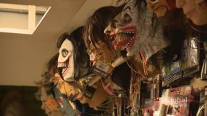 Retailers say COVID-19 can't kill Halloween spirit (02:22)