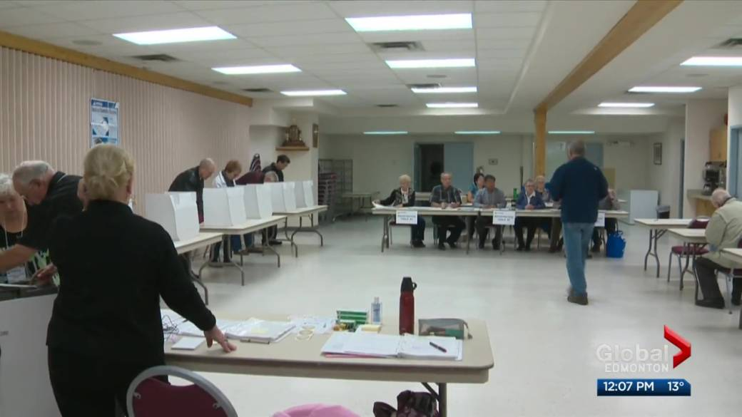 Click to play video: 'Advance polls open Monday for Edmonton election'