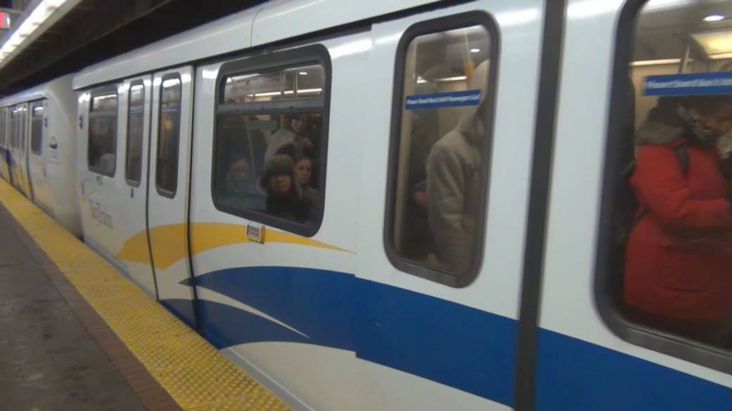 Click to play video 'Survey seeks input on how TransLink can rebound from declining COVID-19 ridership'