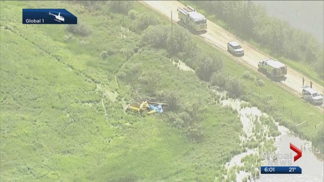Click to play video 'Alberta plane crash leaves 3 people dead'