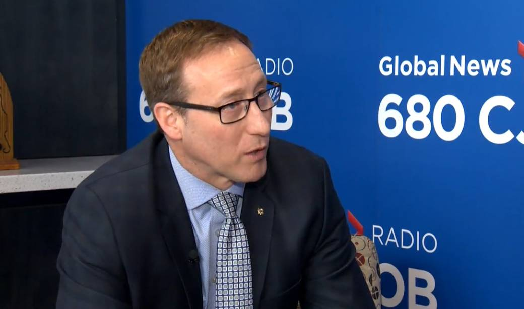 Former cabinet minister Peter MacKay announces Tory