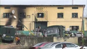 More than 1,800 inmates escape from Nigerian prison after attack by gunmen (01:01)