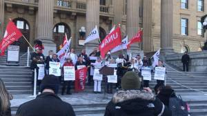 Rachel Notley joins rally of nurses outside Alberta legislature