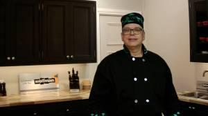 Chef David Wolfman prepares a Thanksgiving feast using Ontario turkey (04:15)