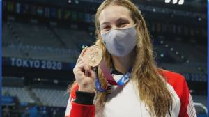 Penny Oleksiak wins 7th medal as Canada's most decorated Olympian (01:54)