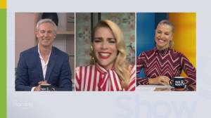 Busy Philipps talks about her new series 'Girls5Eva' (06:01)