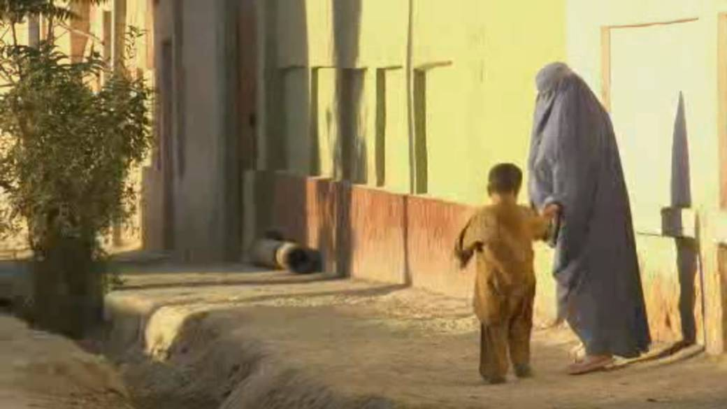 Click to play video: 'Afghan refugee plan: Fears, frustration over slow progress in Canada'
