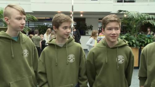 Bc Teens Recognized For Heroic Grouse Mountain Chairlift Rescue  Watch News Videos Online-4397