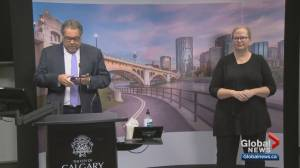 COVID-19: Calgary mayor warns more restrictions on the way (01:55)