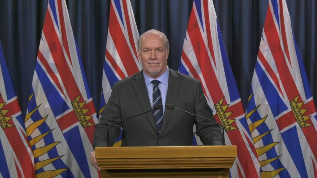 Click to play video 'B.C. Premier extends state of emergency for two weeks'