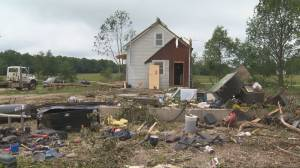 Family narrowly escapes tornado in basement of Chatsworth, Ont., home (01:59)