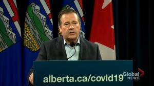 COVID-19: Kenney says province won't have 'a police officer on every street' over Thanksgiving (01:17)