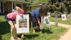 Lawn signs honour families affected by cystic fibrosis as fundraising, advocacy move online