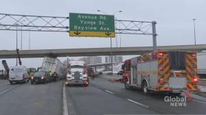 Driver in life-threatening condition after transport truck crash on Hwy. 401 in Toronto (02:06)