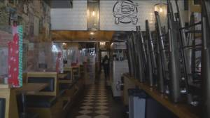 COVID-19: Indoor dining ban extended in B.C. (01:32)