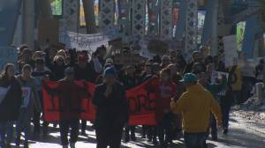 Wet'suwet'en support rally blocks Calgary's Reconciliation Bridge