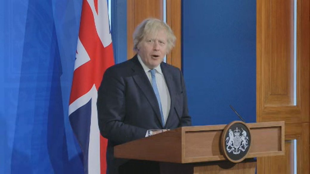 Click to play video: 'U.K. to loosen restrictions after months-long lockdown, PM announces'