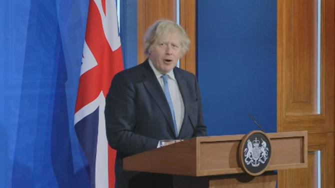 Click to play video: U.K. to loosen restrictions after months-long lockdown, PM announces