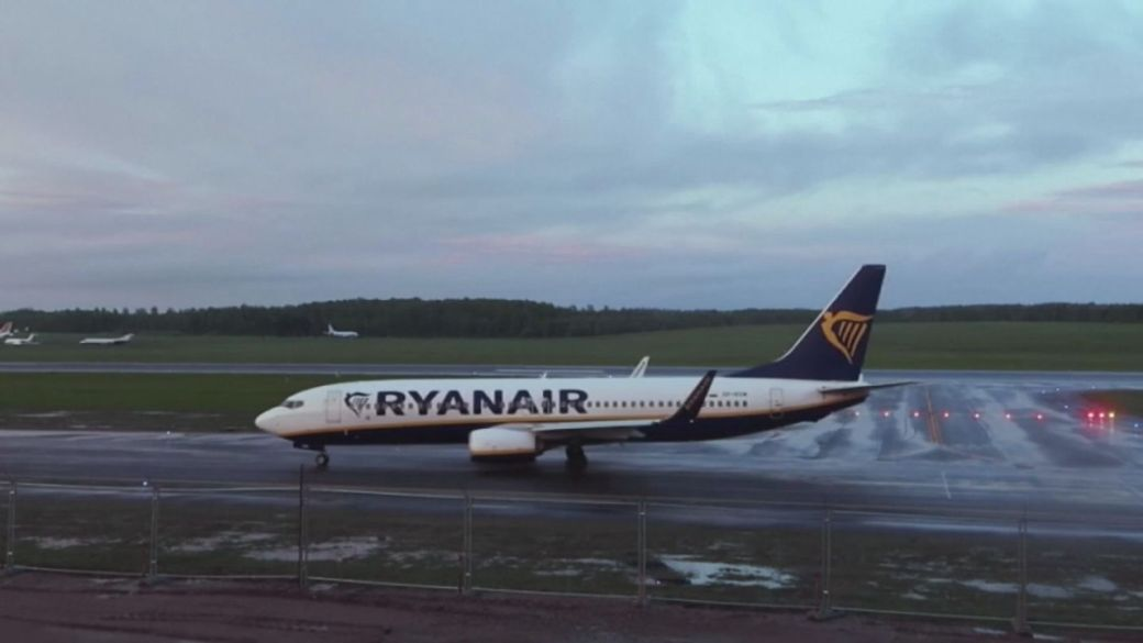 Click to play video: 'Western nations condemn Belarus after Ryanair flight forced to land'