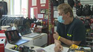 Small business owner can't get answer about Ontario COVID-19 grant, calls Global News and gets help (02:09)