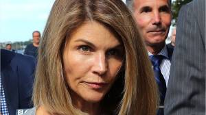 Lori Loughlin, husband pleads guilty to college scam