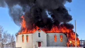 Church burns to the ground in St. Theresa Point after Easter Sunday mass (01:45)