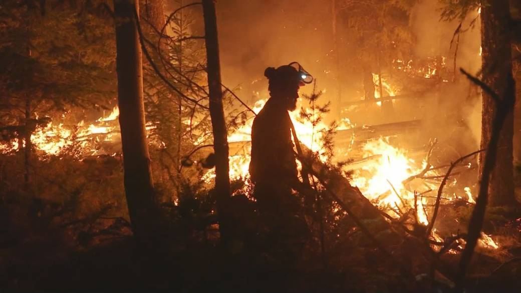 Click to play video: 'The devastation and heartbreak of the White Rock Lake fire'