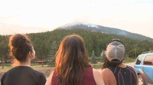 Residents in West Kelowna anxious about a new wildfire that has broken out only a few kilometers from their home (01:30)