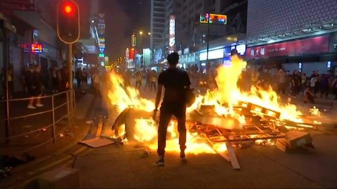 Hong Kong prepares for airport protests after overnight violence