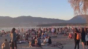 Witness shocked by 'crazy party' on Vancouver's Kits Beach amid COVID-19 restrictions (02:10)