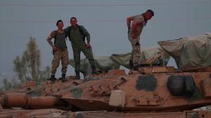 Turkey deploys tanks to Syrian border