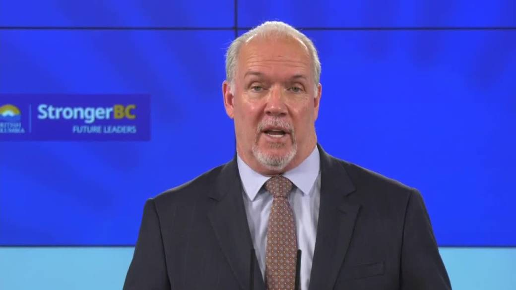 Click to play video: 'How will the B.C. government support workers without sick days if their workplace is shut down?'