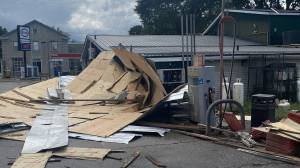 Tornado hits Camden East, On. (01:48)