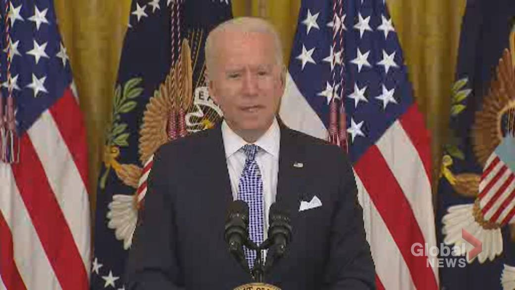 Click to play video: 'Biden tells federal workers to get vaccinated or face weekly COVID-19 testing'