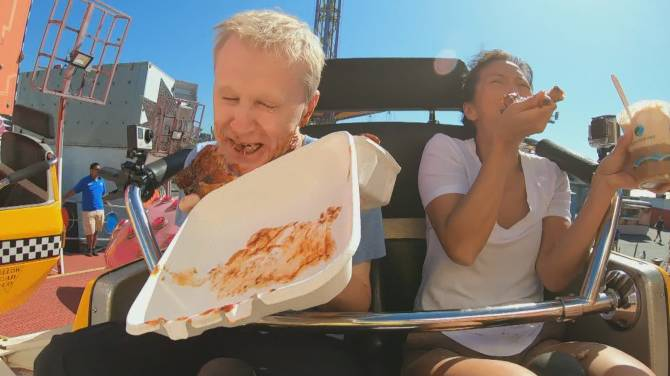'This is the biggest mess ever': Global BC anchors eat rack of ribs on a PNE ride